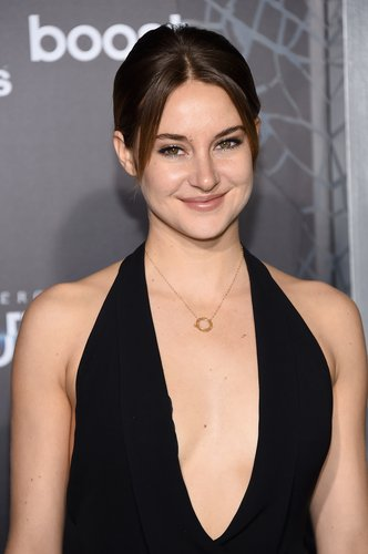 Shailene Woodley attends 'The Divergent Series: Insurgent' New York premiere at Ziegfeld Theater on March 16, 2015 in New York City