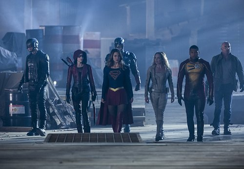 David Ramsey as John Diggle, Willa Holland as Speedy, Melissa Benoist as Kara/Supergirl, Brandon Routh as Ray Palmer/Atom, Caity Lotz as Sara Lance/White Canary, Franz Drameh as Jefferson 'Jax' Jackson and Dominic Purcell as Mick Rory/Heat Wave in 'The Fl