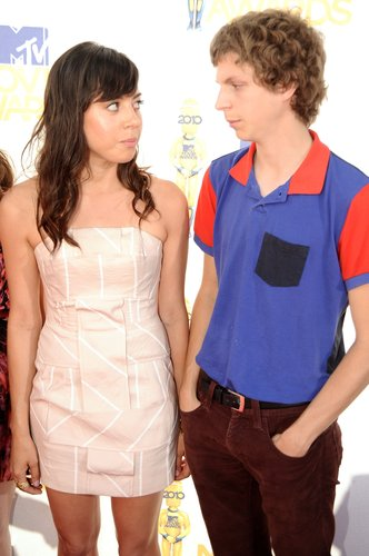 Aubrey Plaza and Michael Cera arrive at the 2010 MTV Movie Awards at Gibson Amphitheatre on June 6, 2010 in Universal City, Calif.