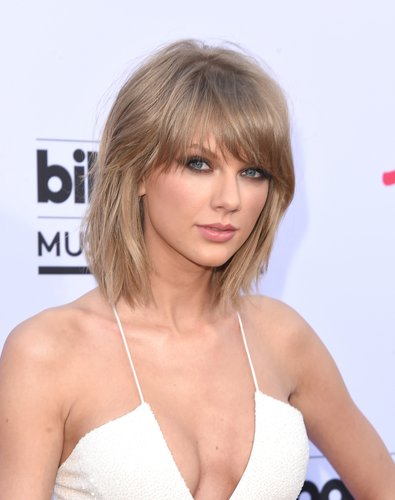 Taylor Swift arrives at the 2015 Billboard Music Awards at MGM Garden Arena on May 17, 2015 in Las Vegas