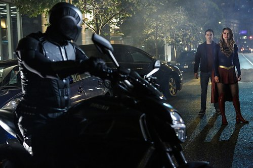 Mehcad Brooks as James Olsen/Guardian, Chris Wood as Mike/Mon-El, and Melissa Benoist as Kara/Supergirl in 'Supergirl' Season 2, Episode 6 -- 'Changing'