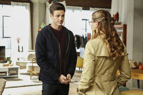 Grant Gustin as Barry Allen and Melissa Benoist as Kara/Supergirl in 'Supergirl' Season 2, Episode 8 -- 'Medusa'