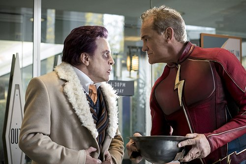 Mark Hamill as James Jesse and John Wesley Shipp as Jay Garrick in 'The Flash' Season 3, Episode 9 -- 'The Present'