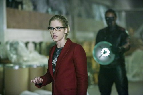 Emily Bett Rickards as Felicity Smoak and Echo Kellum as Curtis/Mr. Terrific in 'Arrow' Season 5, Episode 10
