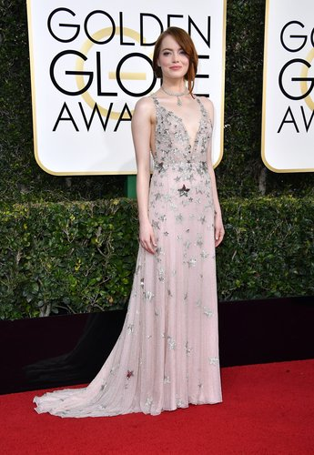 Emma Stone attends the 74th Annual Golden Globe Awards at The Beverly Hilton Hotel on January 8, 2017 in Beverly Hills