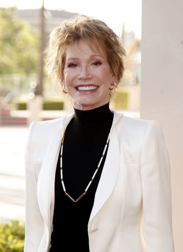 Mary Tyler Moore arrives at the Academy of Television Arts and Sciences celebrating Betty White's 60 years on television at the Leonard Goldenson Theatre on August 7, 2008 in Los Angeles