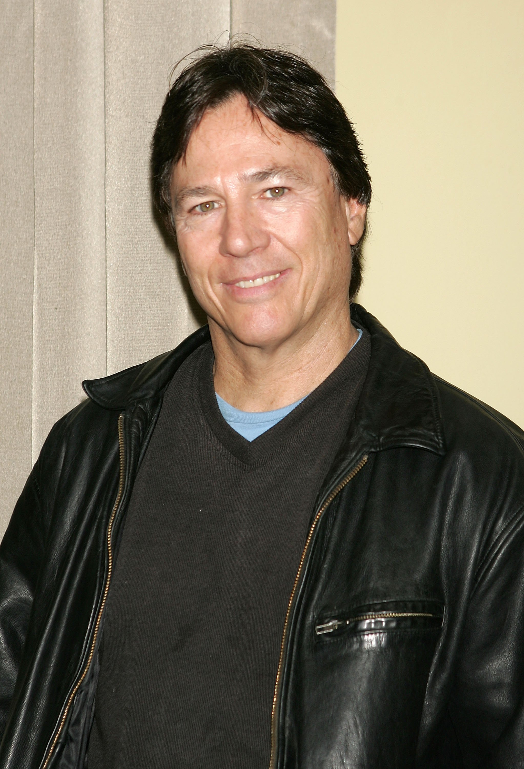 Richard Hatch poses for a photo at the 10th Annual Big Apple National Comic Book, Toy & Sci-Fi Expo at Penn Plaza Pavillion November 18, 2005 in New York City