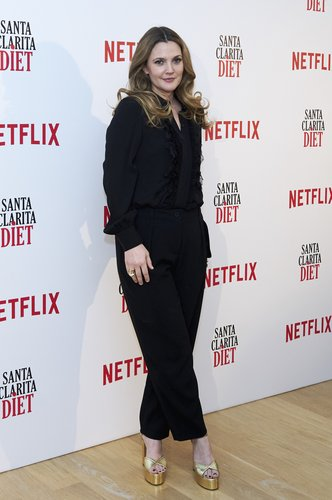 Drew Barrymore attends 'Santa Clarita Diet' photocall at the Netflix office on January 19, 2017 in Madrid
