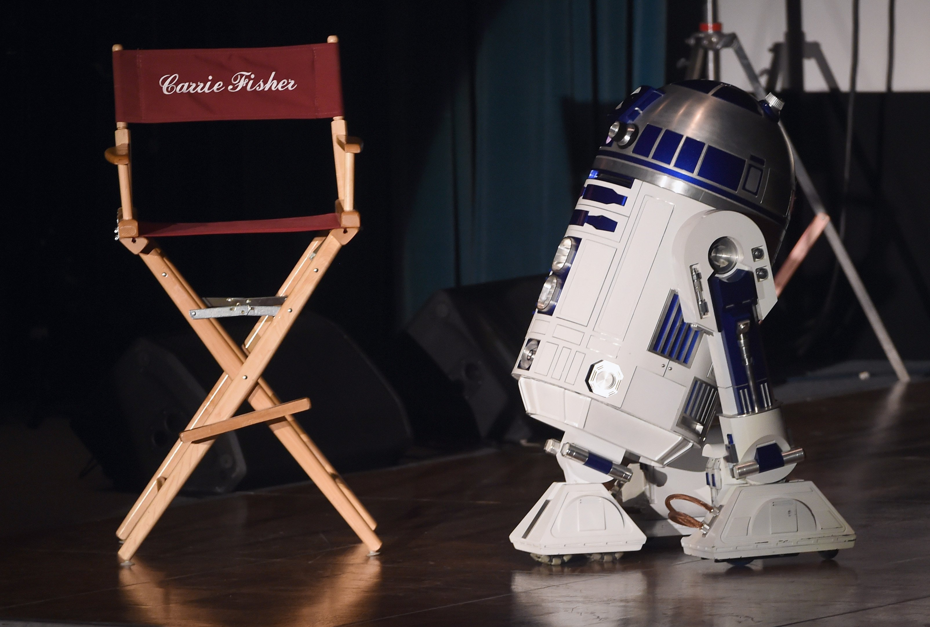 R2-D2 at the Debbie Reynolds and Carrie Fisher Memorial at Forest Lawn Cemetery on March 25, 2017 in Los Angeles