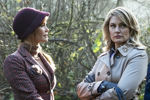 Nathalie Boltt as Penelope Blossom and Mädchen Amick as Alice Cooper in 'Riverdale'
