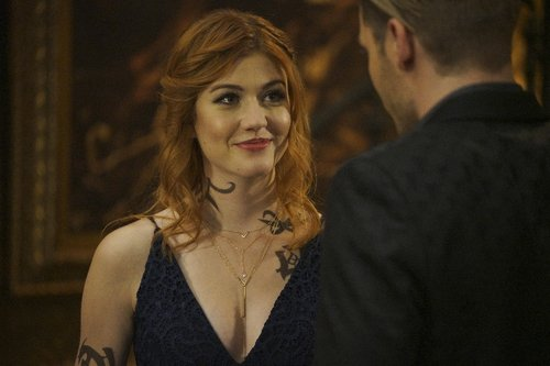 Katherine McNamara as Clary Fray in 'Shadowhunters' Season 2, Episode 8