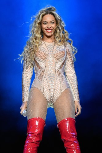 Beyonce performs onstage during the 2015 Budweiser Made in America Festival at Benjamin Franklin Parkway on September 5, 2015 in Philadelphia