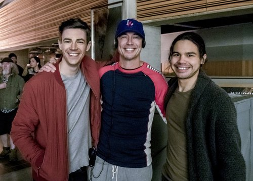 Grant Gustin, Tom Cavanagh and Carlos Valdes behind the scenes of 'The Flash' Season 3, Episode 19 -- 'The Once and Future Flash' -- directed by Tom