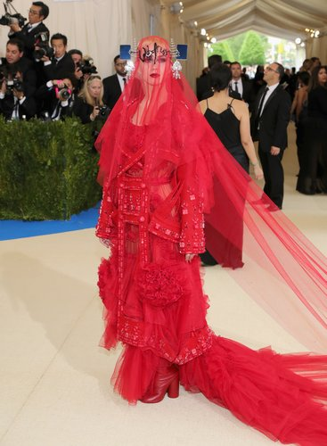Katy Perry attends the 'Rei Kawakubo/Comme des Garcons: Art Of The In-Between' Costume Institute Gala at Metropolitan Museum of Art on May 1, 2017 in New York City