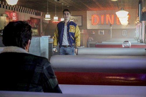 Luke Perry as Fred and KJ Apa as Archie in 'Riverdale' Season 1, 'Chapter Thirteen: The Sweet Hearafter'