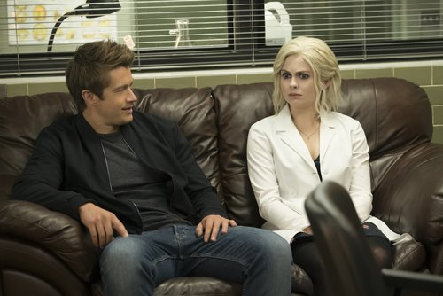 Robert Buckley as Major and Rose McIver as Liv Moore in 'iZombie'