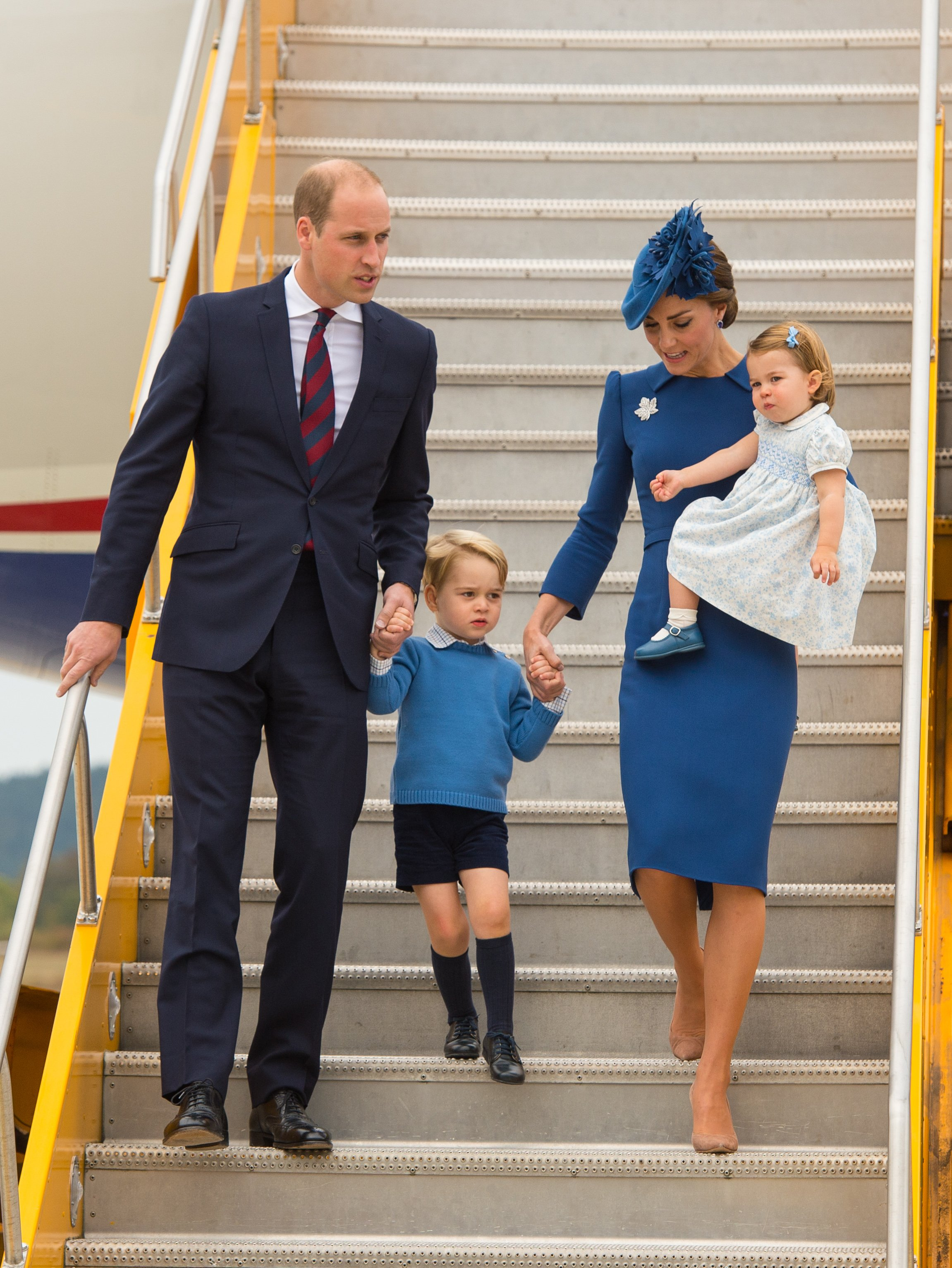 Prince William, Duke of Cambridge, Catherine, Duchess of Cambridge, Prince George of Cambridge and Princess Charlotte of Cambridge arrive at 443 Maritime Helicopter Squadron near Victoria international airport on September 24, 2016 in Victoria, Canada