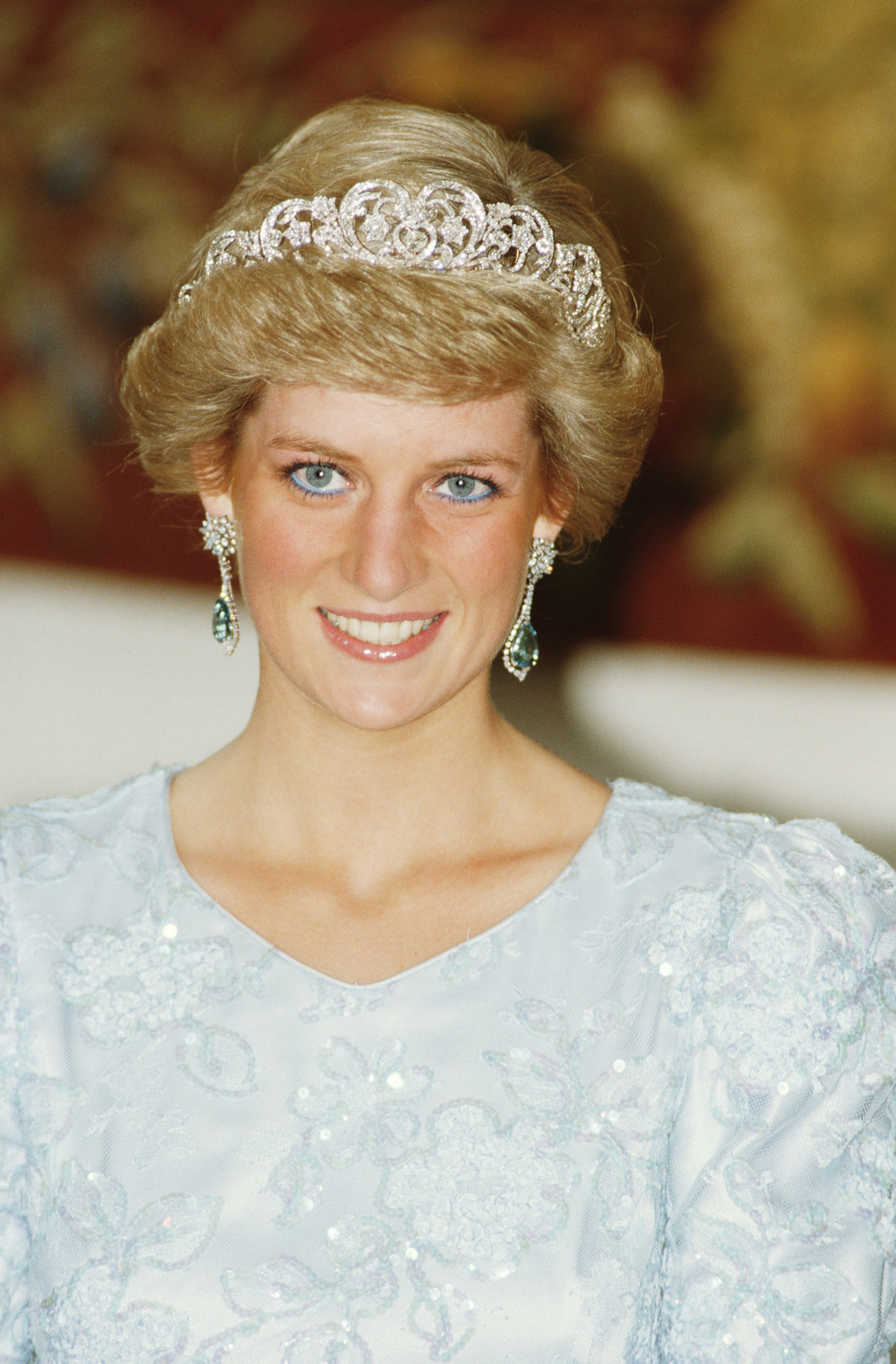 Princess Diana wearing a Catherine Walker gown and the Spencer tiara at a banquet in Munich, November 1987
