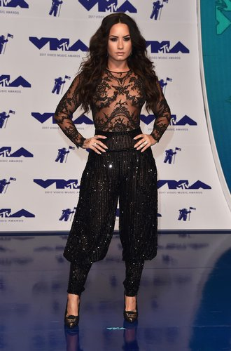 Demi Lovato attends the 2017 MTV Video Music Awards at The Forum on August 27, 2017 in Inglewood, Calif.
