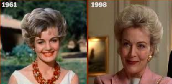 In The Parent Trap, Meredith's mother is played by same actress who played the Meredith-type character in the original film.